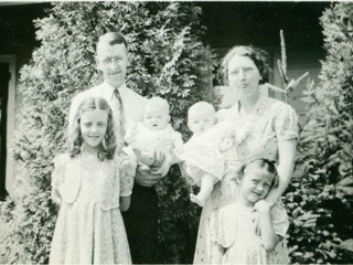 Daddy, Mama, Susanna, Christina, and the twins